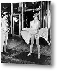 Картина Мерелин Монро в развевающейся юбке.