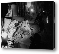 Мерлин Монро посылающая воздушный поцелуй,1956г.