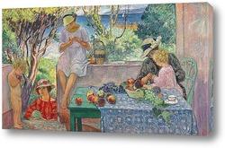 Проба фруктов на террасе в Сент Максим