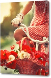 Девушка в белых перчатках