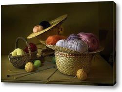 Картина Натюрморт из разноцветной пряжи хранящейся в соломенных шляпках.