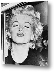 Картина Мерелин Монро посылающая поцелуй.