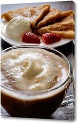 Кофе гляссе и блинчик на завтрак.