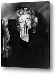 Картина Мерлин Монро посылающая воздушный поцелуй,1956.