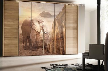 Наклейка Слон на фоне рассвета